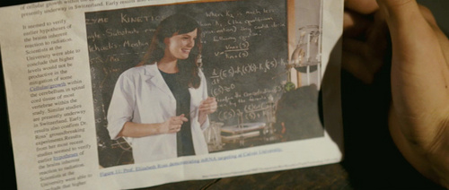 Liv Tyler achtergrond containing a newspaper and a sign entitled The Incredible Hulk