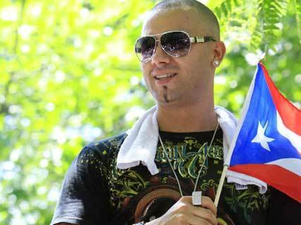 Wisin y Yandel দেওয়ালপত্র entitled Wisin y Yandel- Parada Puertorriquena- New York