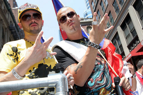Wisin y Yandel 바탕화면 probably containing a 거리 titled Wisin y Yandel- Parada Puertorriquena- New York