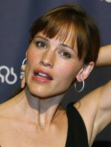 jennifer garner wallpaper possibly containing a portrait entitled Hoop earrings