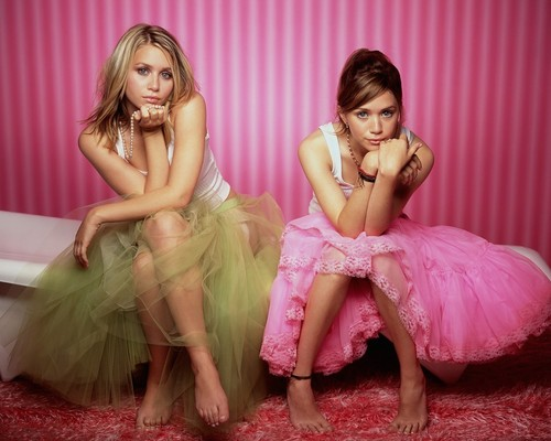 SISTERS 4 LIFE - mary-kate-and-ashley-olsen Wallpaper