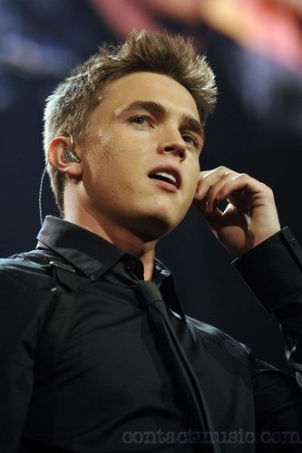 Jesse McCartney wallpaper containing a business suit entitled Zootopia Concert 17.05.08