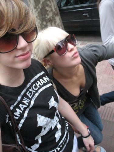 patito feo hình nền with sunglasses entitled Camila Salazar (Caterina)
