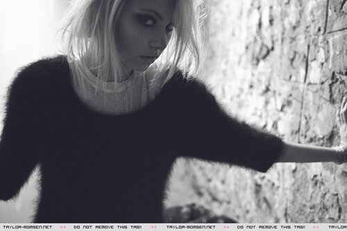 Taylor Momsen wallpaper entitled IMG Models photoshoot