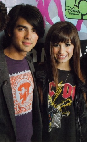 Jemi wallpaper probably containing a leisure wear, a jersey, and an outerwear entitled Jemi