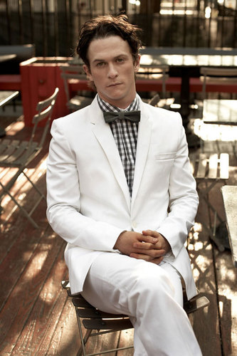 Jonathan Tucker wallpaper with a business suit and a suit entitled Jon Tucker