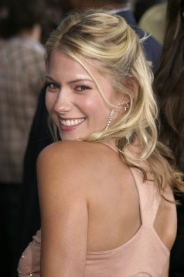 laura ramsey wallpaper possibly with attractiveness, a portrait, and skin called Laura