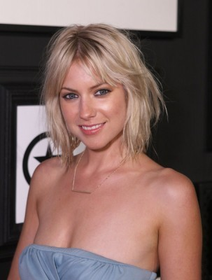 Laura Ramsey wallpaper probably with attractiveness, a portrait, and skin entitled Laura