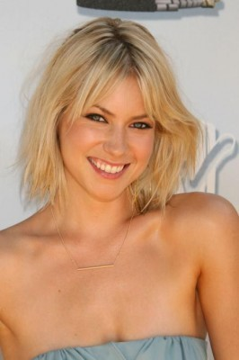 Laura Ramsey fond d'écran containing attractiveness, a portrait, and skin called Laura