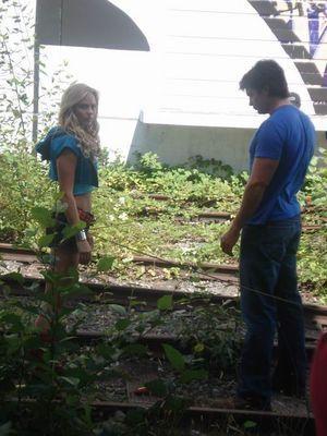 Laura on Set of Smallville