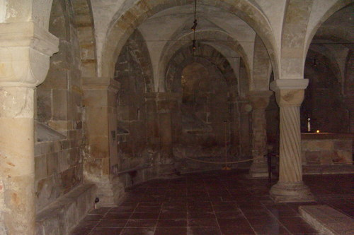 Sweden 바탕화면 with a 둥근 천장, 금고 and a 팬 vaulting entitled Lund Cathedral Crypt