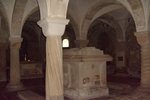 Sweden wolpeyper probably with a hanay ng mga arko called Lund Cathedral Crypt