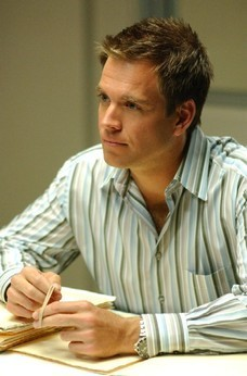 Michael Weatherly kertas dinding titled Michael