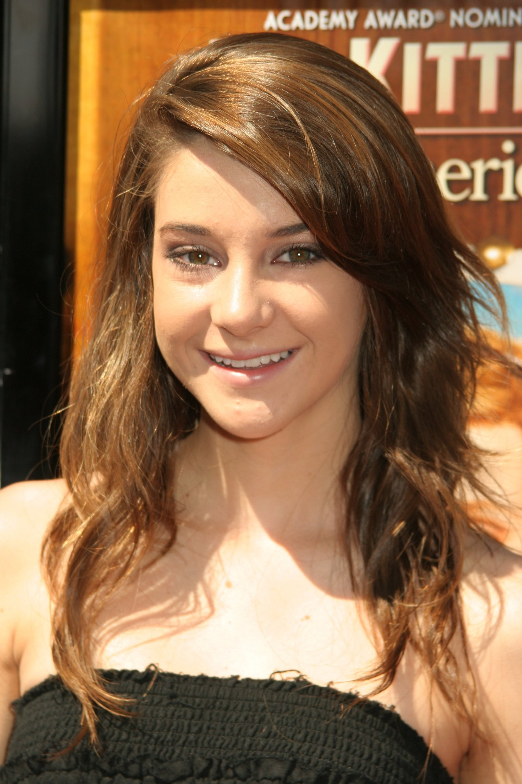 Shailene Woodley - Wallpaper Actress