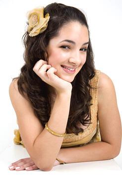 Thelma Fardin (Josefina)