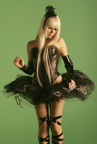 Kerli karatasi la kupamba ukuta with a hip boot, a cocktail dress, and tights entitled Walking On Air
