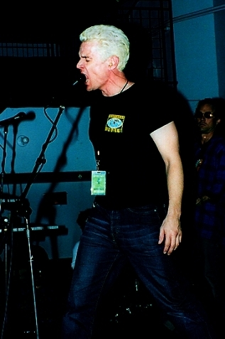 james performing at the knittng factory 2003