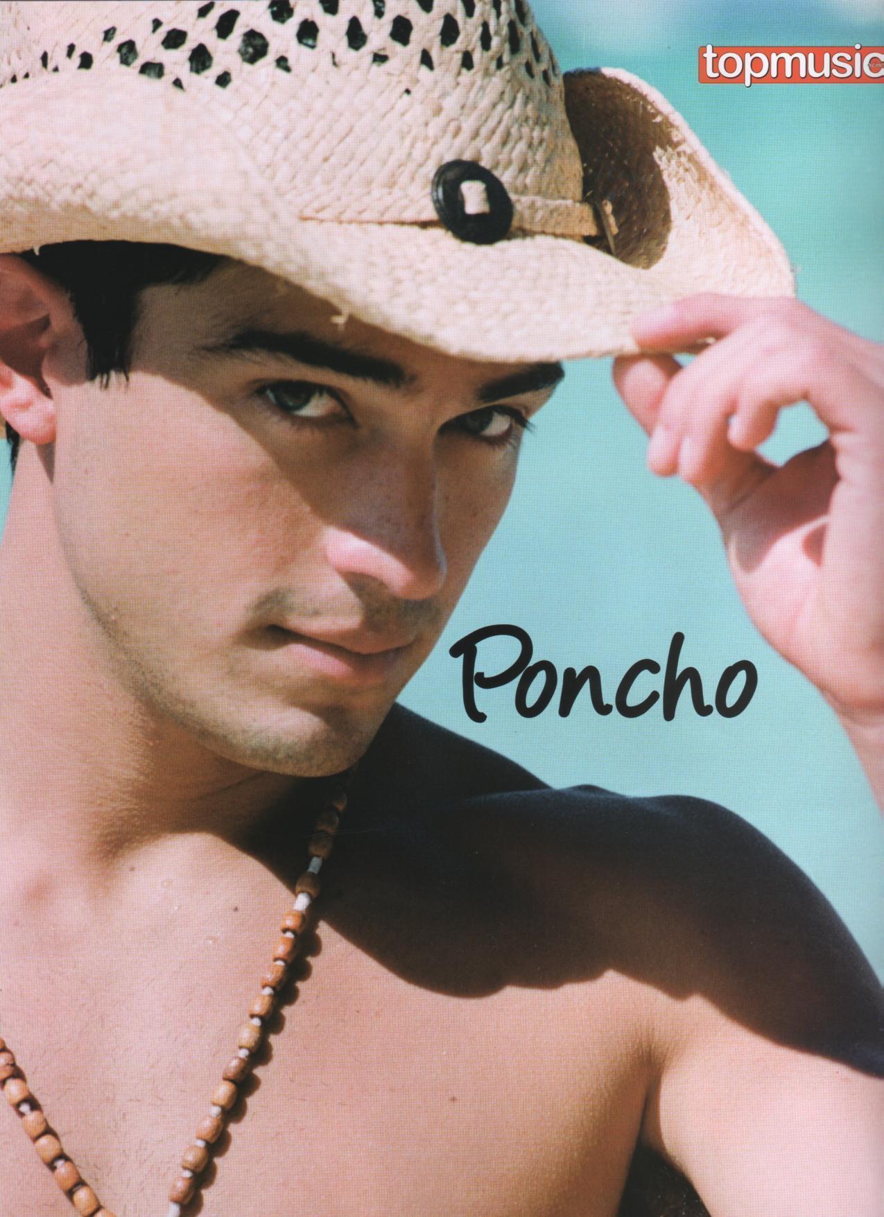poncho - alfonso-herrera photo