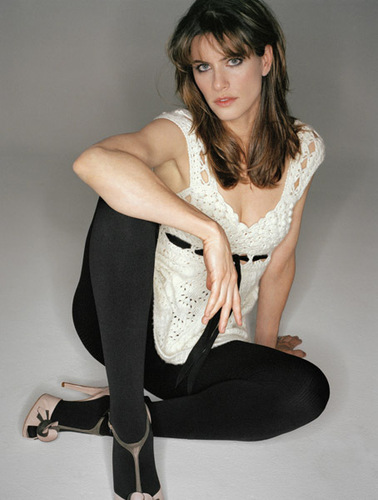 Amanda Peet wallpaper possibly containing tights called Amanda