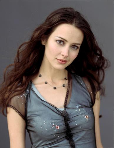 amy acker wallpaper containing a portrait called Amy