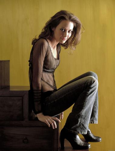 Amy Acker achtergrond containing a hip boot called Amy
