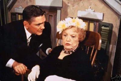 Darrin And Aunt Clara