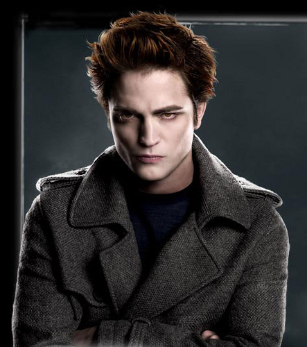 robert pattinson twilight kiss. Robert Pattinson as Edward