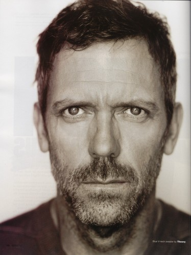 House, M.D. karatasi la kupamba ukuta containing a business suit entitled Hugh Laurie in Emmy Magazine