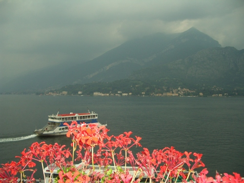 Italy 바탕화면 possibly with a lakeside entitled Lago di Como, Italy