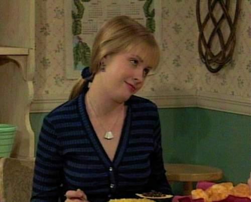 Melissa Joan Hart Hintergrund titled MJH as Clarissa