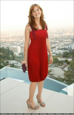 mandy moore fondo de pantalla containing a cóctel, coctel dress, a chemise, and a dress called Mandy