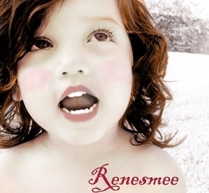 Renesmee Carlie Cullen wallpaper with a portrait called Renesmee Carlie Cullen