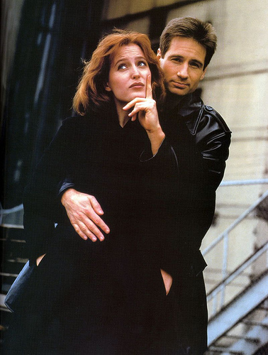 The X-Files 壁纸 containing a business suit and a well dressed person titled Scully and Mulder