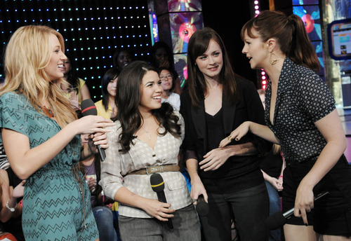 Sisterhood girls on TRL
