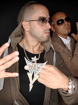 Wisin y Yandel দেওয়ালপত্র probably containing sunglasses titled Wisin Y Yandel