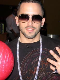 Wisin y Yandel wallpaper possibly containing an easter egg titled Wisin y Yandel