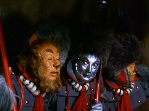 Le Magicien d'Oz fond d'écran probably with a tabard titled Wizard of Oz trophée