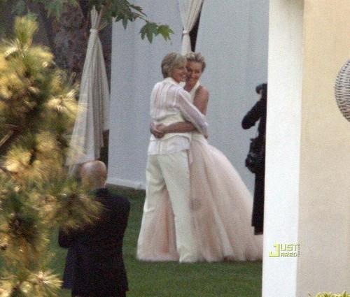 Ellen DeGeneres 바탕화면 called ellen & portia wedding!!