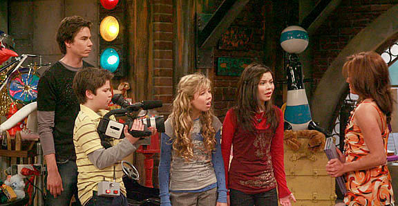 iCarly on-set