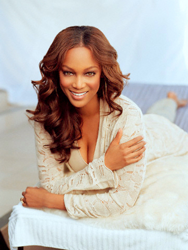 Tyra Banks wolpeyper probably with a portrait titled tyra banks