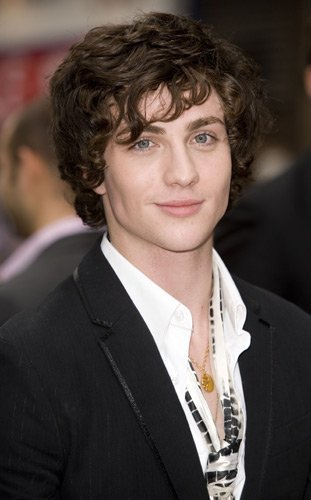 Aaron-Johnson-aaron-johnson-2108532-311-