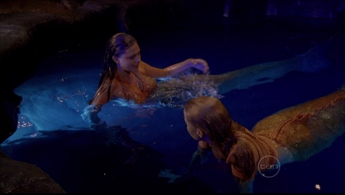 Emma and Cleo in the moon pool