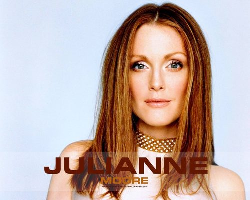Julianne Moore wallpaper containing a portrait called Julianne Moore