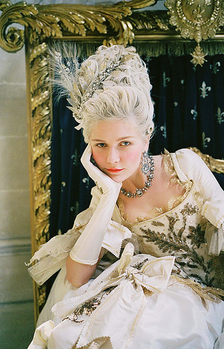 Marie Antoinette wallpaper with a bridesmaid called Marie Antoinette