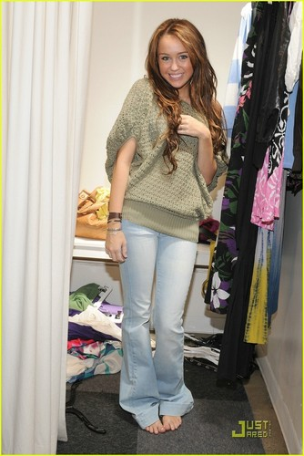 Miley Shopping