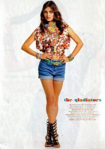 Phoebe Tonkin Обои probably containing bare legs called Phoebe Tonkin from Girlfriend magazine