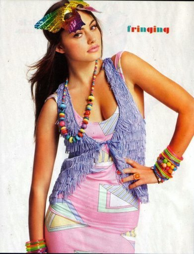 http://images1.fanpop.com/images/photos/2100000/Phoebe-Tonkin-phoebe-tonkin-2144657-391-512.jpg