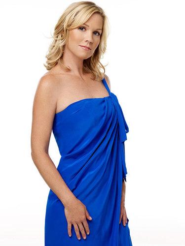 Jennie Garth as Kelly Taylor