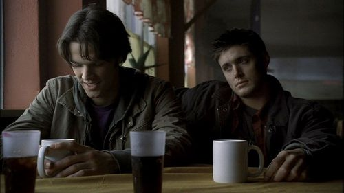 The Winchesters वॉलपेपर entitled Sam and Dean