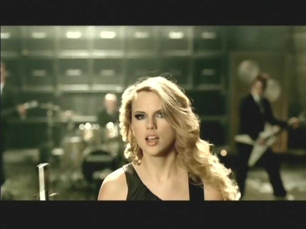 Music Videos Taylor Swift: Picture to Burn